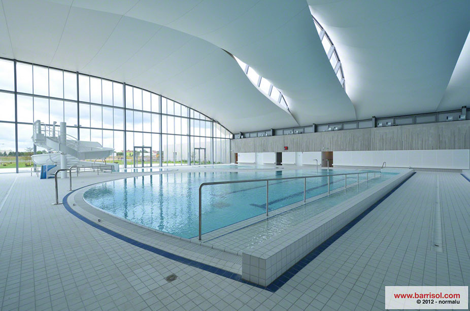 Pictures exceptional project swimming pool of val d 39 europe for Bailly romainvilliers piscine